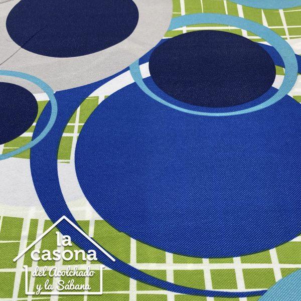 enfoque tela polialgodón con diseños de circulos y cuadros en azul y verde