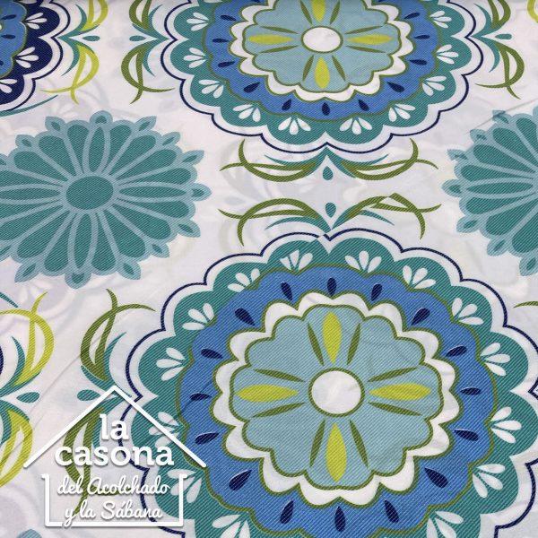 enfoque tela polialgodón con diseños de figuras en color verde y azul