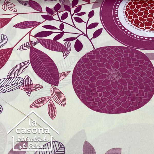 enfoque tela polialgodón con diseños de hojas y figuras moradas