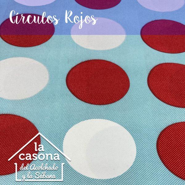 enfoque-tela-polialgodón-con-diseños-de-circulos-en-blanco-y-rojo-con-fondo-azul